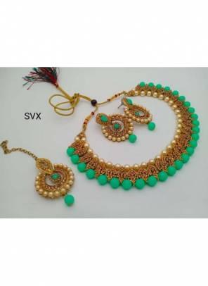 New Sea Green Pearls And Kundan Necklace Set